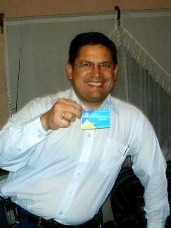 Foto que me tomó mi hija María Sofía, el día que recibí mi carnet profesional de la ACM.