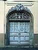 Puerta en la 8a Avenida Centro Cívico, Guatemala